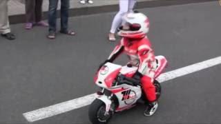Приколы и трюки на мотоциклах.