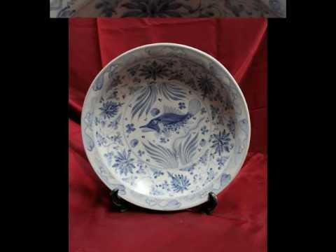 #6 Antique Chinese porcelain Early Ming Plate fish.avi