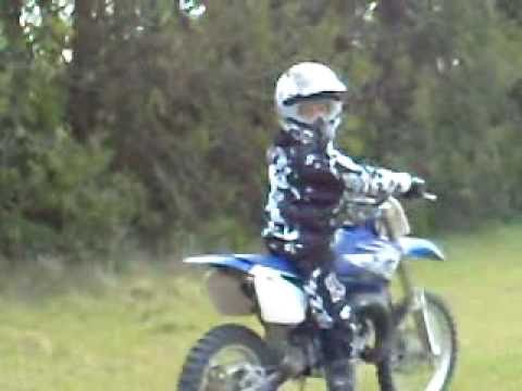 cabrage avec moto yamaha yz 85 ratt youtube. Black Bedroom Furniture Sets. Home Design Ideas