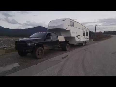 Fifth Wheel To Gooseneck Hitch >> Welding rig towing a 5th wheel trailer - YouTube