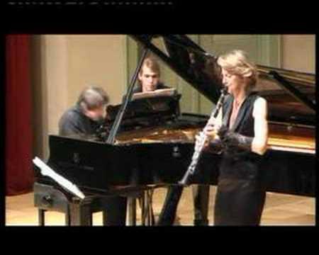 Clariperu/ Sabine Meyer performs Poulenc clarinet sonata
