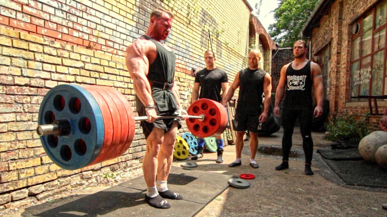 Bodybuilder owns four powerlifters deadlift session youtube falaconquin