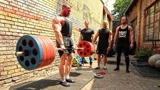 Bodybuilder Owns FOUR Powerlifters! Deadlift Session