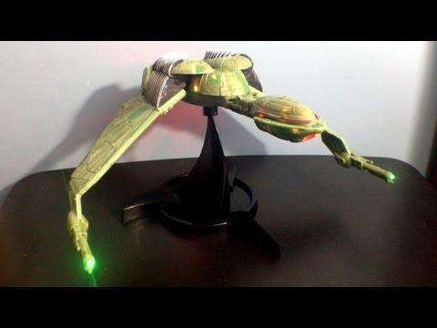 Diamond Select's Starship Legends: Electronic Klingon Bird of Prey Toy Review