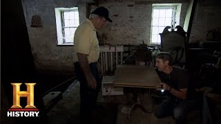 Video American Pickers: A Cast Iron Drafting Table | History download MP3, MP4, WEBM, AVI, FLV April 2018