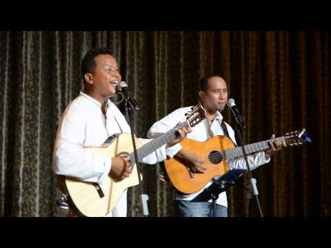 Malay singer singing hokkien song