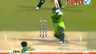 Abdul Razzaq 109* off 72 (10 Sixes & 7 Fours) vs South Africa