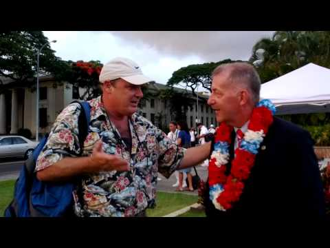 HAWAII.  Meeting Honolulu Mayor Peter Carlisle