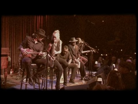 "Mindi Abair & The Boneshakers Jimi Hendrix ""Voodoo Child"" LIVE in Seattle"