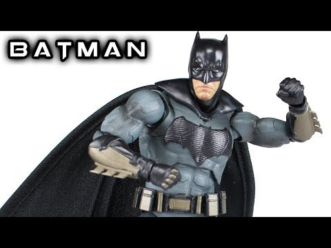 S.H. Figuarts BATMAN Justice League Action Figure Review