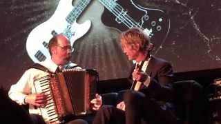 Download Duff Mckagan and Krist Novoselic Playing Sweet Child O' Mine Mp3 and Videos