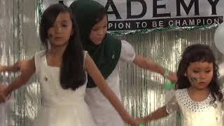 Gambar cover Aye Mere Watan Tez Qadam Ho | Hazaragi Tableau Dance by Students [HD]