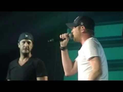 Luke Bryan - Atlanta - Cole Swindell - Chillin' It - Dirt Road Diaries Tour - 07142013