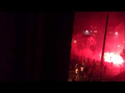 Veintisiete heridos en pelea entre hinchas