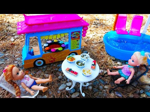 Elsa and Anna toddlers swimming pool and sushi truck