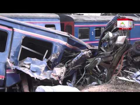 รถไฟชนประสานงารถบรรทุกสิบล้อ ดับคาที่ 5 เจ็บ 25 ราย