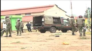 Police use force to disperse protesting tea pickers, Limuru