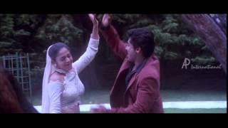 Poovellam Kettuppar - Chudidhar Aninthu song