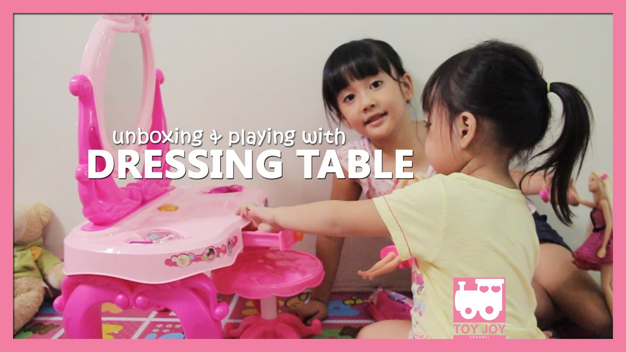 Dressing table play set Unboxing & playing