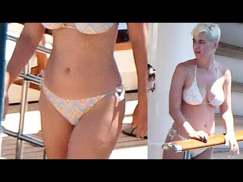 HOT : Katy Perry show her sexy body on the beach