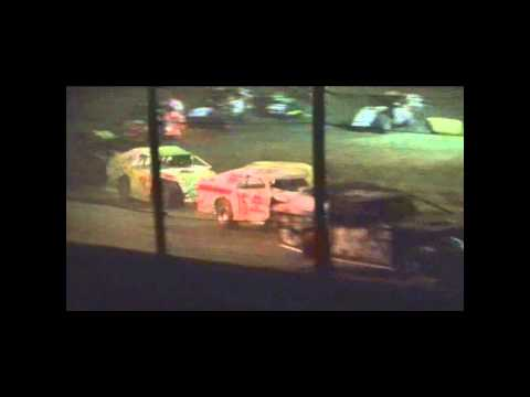 5 17 2014 Casino Speedway Midwest Modified Heat 2 and Feature