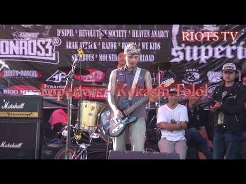 Superiots -  Kekasih Tolol Live Lumajang Selatan