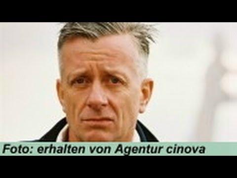Schauspieler Ludwig Hollburg Im Interview Bekannt Aus Schloss