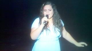 La hermosa voz de nuestra talentosa y polifacetica Angelica.....bella mamita!