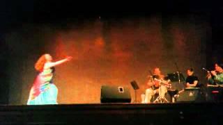 Download Yeli dancing to