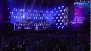 Beyoncé performs Cover I Will Always Love You/Halo live at Chime for Change concert