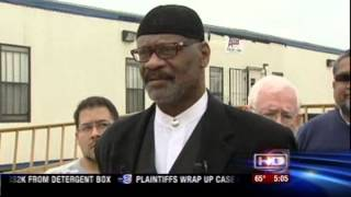 Video: Muslims Discover Dead Pig at Entrance to Texas Mosque (CAIR)