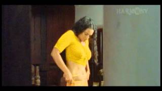 Swetha Menon hot navel latest