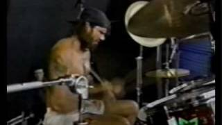 Red Hot Chili Peppers - Nobody Weird Like Me (1990 Pinkpop)