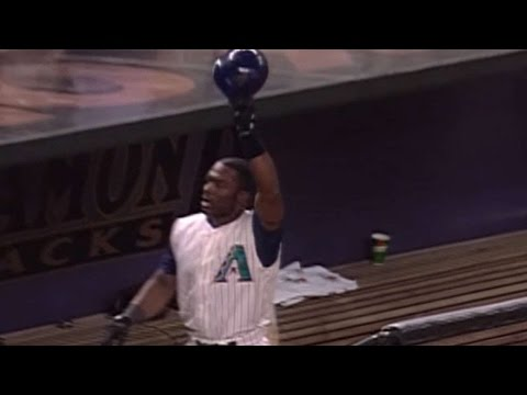 2001 NLDS Gm5: Sanders opens scoring with solo homer