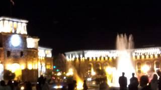 Музыкальные танцующие поющие фонтаны - Ереван, Армения(Музыкальные танцующие поющие фонтаны на Площади Республики - Ереван, Армения. Musical dancing singing fountains in Republic..., 2014-04-28T07:33:00.000Z)