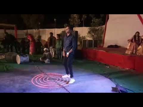 Neeche Phoolon Ki Dukan Upar Gori Ka Makan dance performance by Manish joshi..