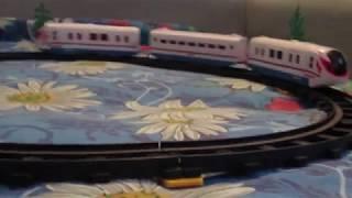 Демонструю Іграшку Залізниця Граємо разом Сапсан в дії!