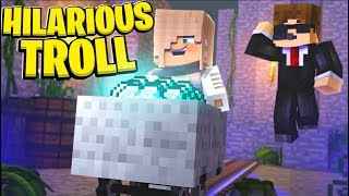 TROLLING MINECRAFT PLAYERS ON MY SERVER!