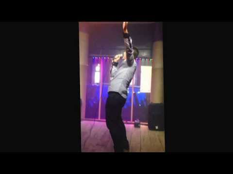 Peter Pawlett baby, Glasgow karaoke bar