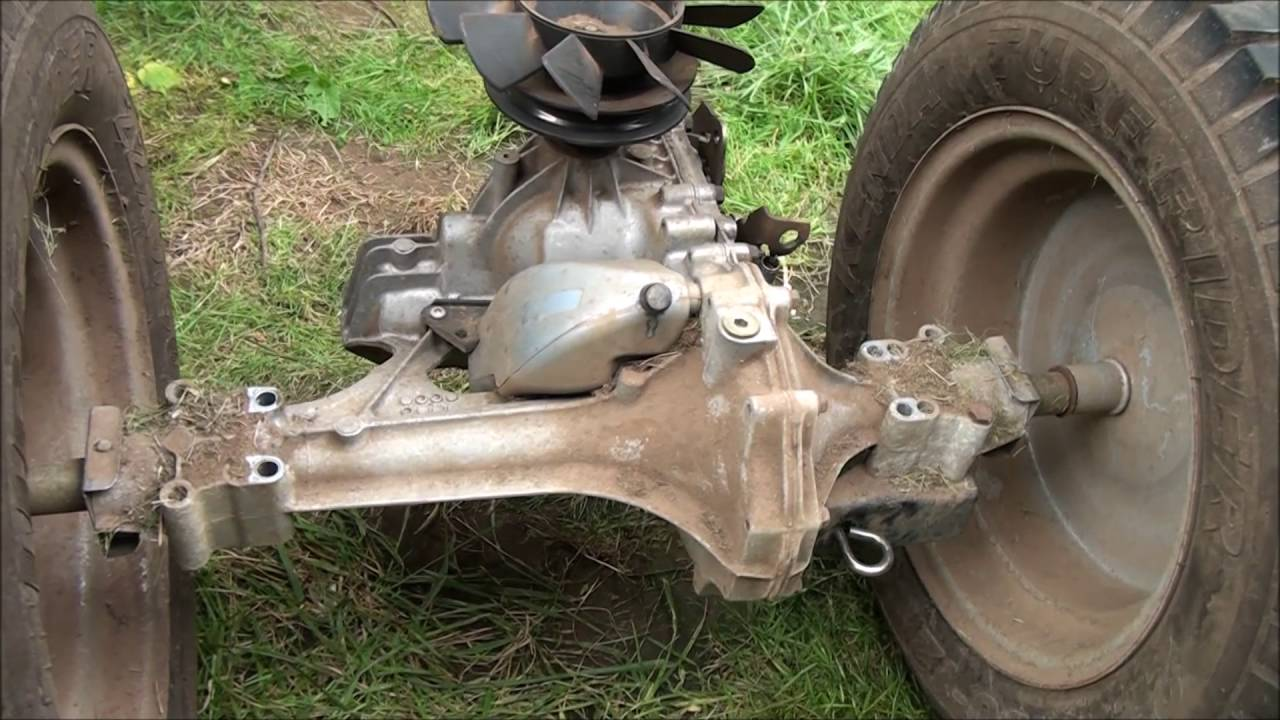 HOW TO REPLACE the Hydrostatic TRANSMISSION on a SNAPPER RIDING LAWNMOWER Transaxle replaced