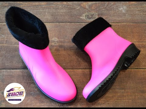 Яркие розовые резиновые сапоги женские Litma с утеплителем