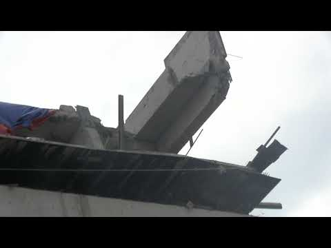 ALTURAS MALL CONCRETE CONSTRUCTION FAILER 350 FOOT WALL FALLS DOWN 00026
