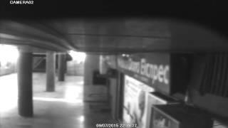 Хора пикаят в централния подлез на Варна