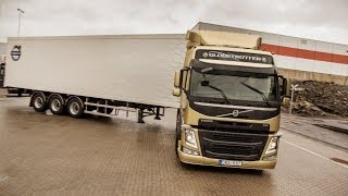 Volvo Trucks - Demonstration of the unique technology Volvo Dynamic Steering