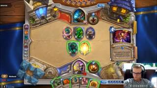 Mailund plays Hearthstone arena, Priest with 4 Free from amber!!