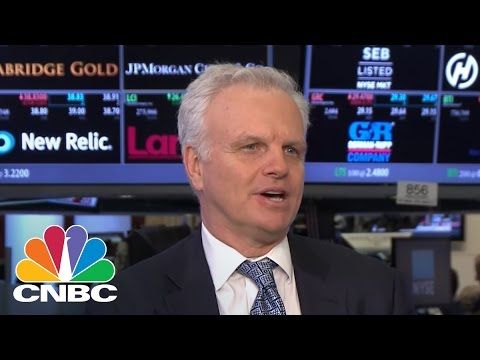 JetBlue Founder On United's PR Fiasco: Offer Higher Prices To Overbooked Passengers | CNBC