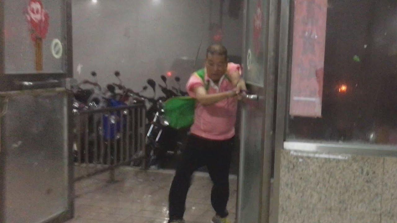 台湾を襲った台風一号。その破壊力が凄まじい…