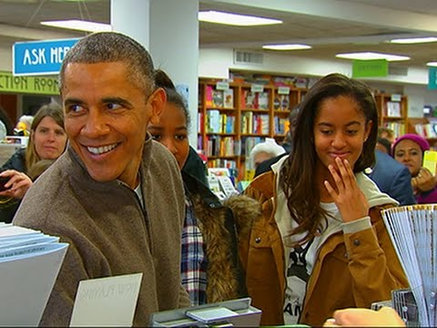 Make Raw: Obama Goes Shopping at DC Bookstore Images