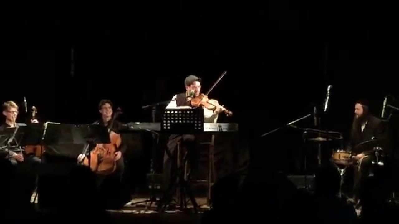 אל תפספסו: אהרן רזאל בניגון חסידי על הכינור