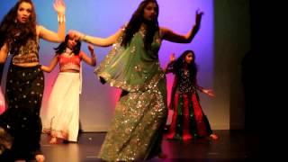 RADHA TERI CHUNRI DANCE BY CHELMSFORD INDIAN GIRLS